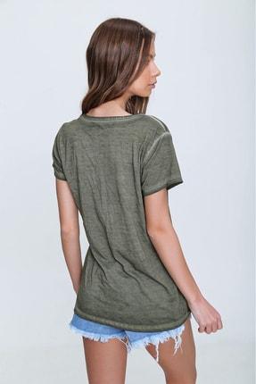 Trend Alaçatı Stili Kadın Haki Askı Detaylı Yıkamalı T-Shirt MDA-1124 3
