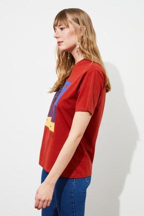 TRENDYOLMİLLA Tarçın Baskılı Boyfriend Örme T-Shirt TWOSS21TS1653 1