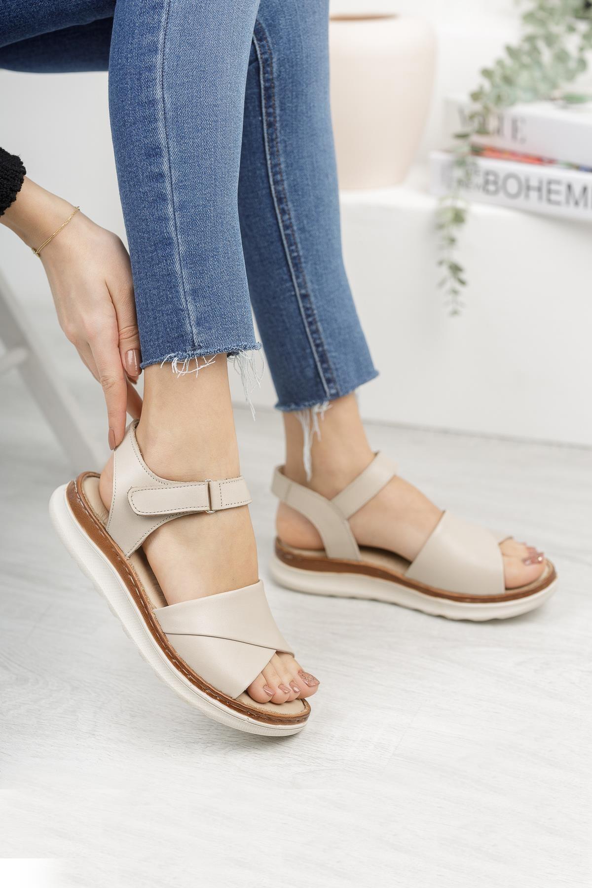 Hakiki Deri Bej Kadın Günlük Sandalet
