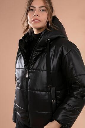 Y-London Kadın Siyah Kapşonlu Fermuarlı Şişme Mont Y20W110-7115 1
