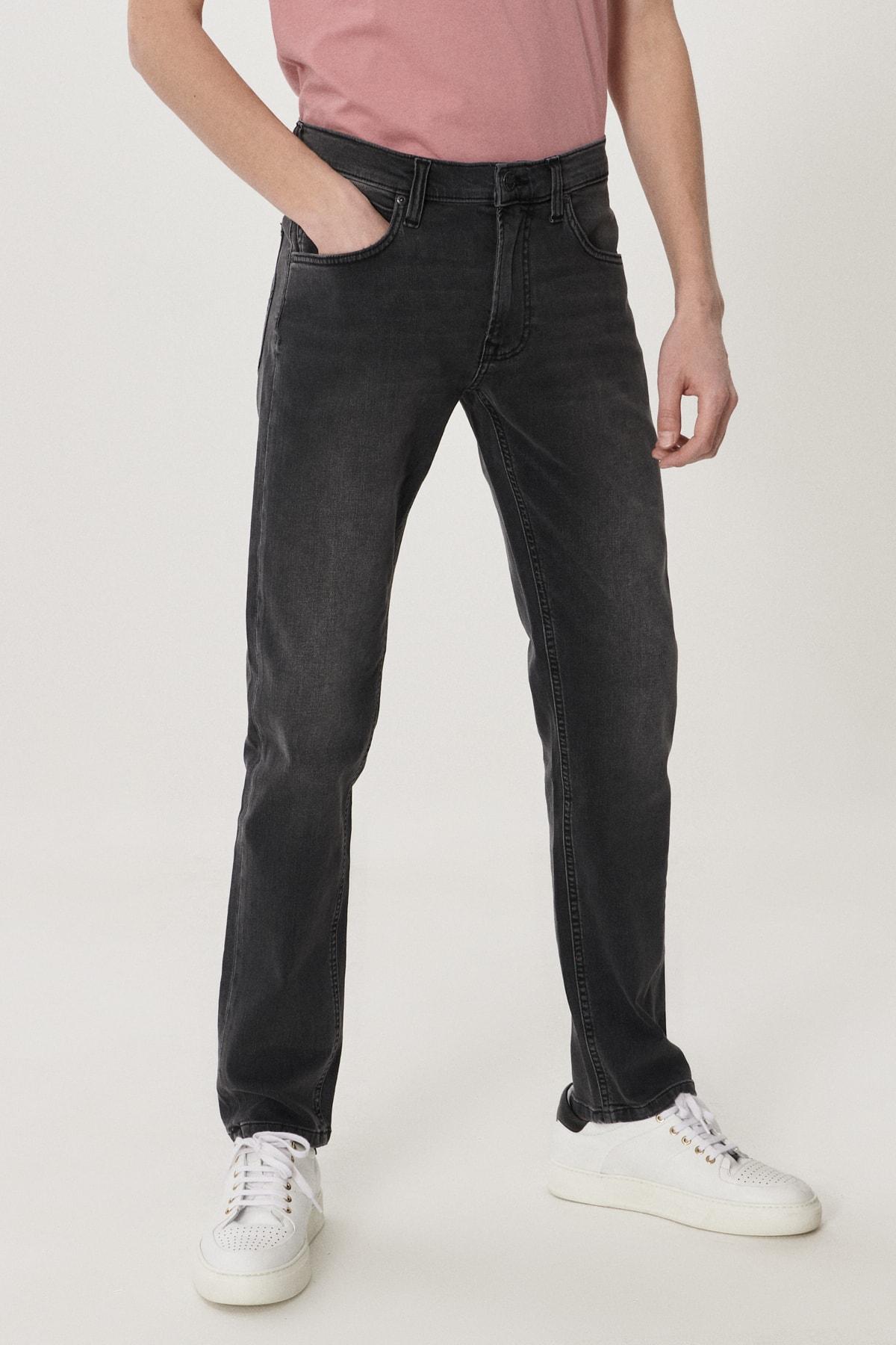 Daren Erkek Siyah Straight Fit Normal Bel Düz Paça Esnek Jean Pantolon