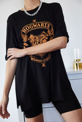 Xena Kadın Siyah Baskılı Yırtmaçlı Boyfriend T-Shirt 1KZK1-11144-34 1
