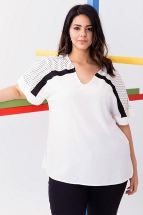 Kadın Beyaz Büyük Beden Kısa Kollu Puantiyeli Bluz resmi