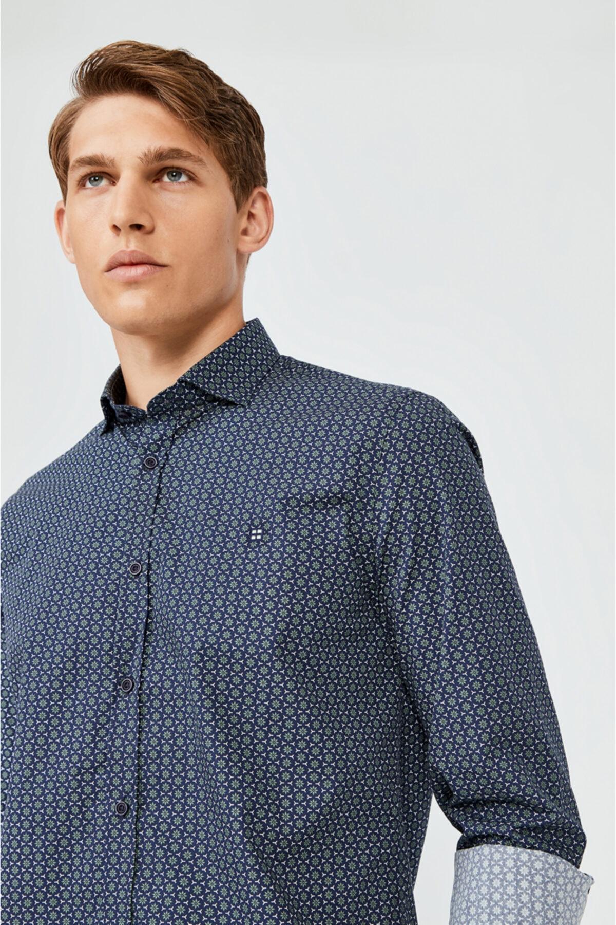 Erkek Lacivert Baskılı Alttan Britli Yaka Slim Fit Gömlek A02y2073