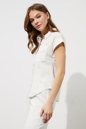 TRENDYOLMİLLA Beyaz Klasik Gömlek TWOAW20GO0081 1