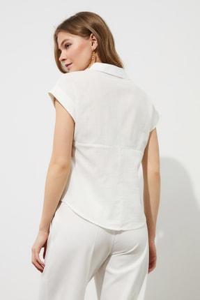 TRENDYOLMİLLA Beyaz Klasik Gömlek TWOAW20GO0081 4