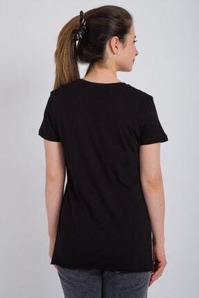 Kadın Modası Kadın Siyah V Yaka Alt Kesik Yırtmaçlı T-shirt 3