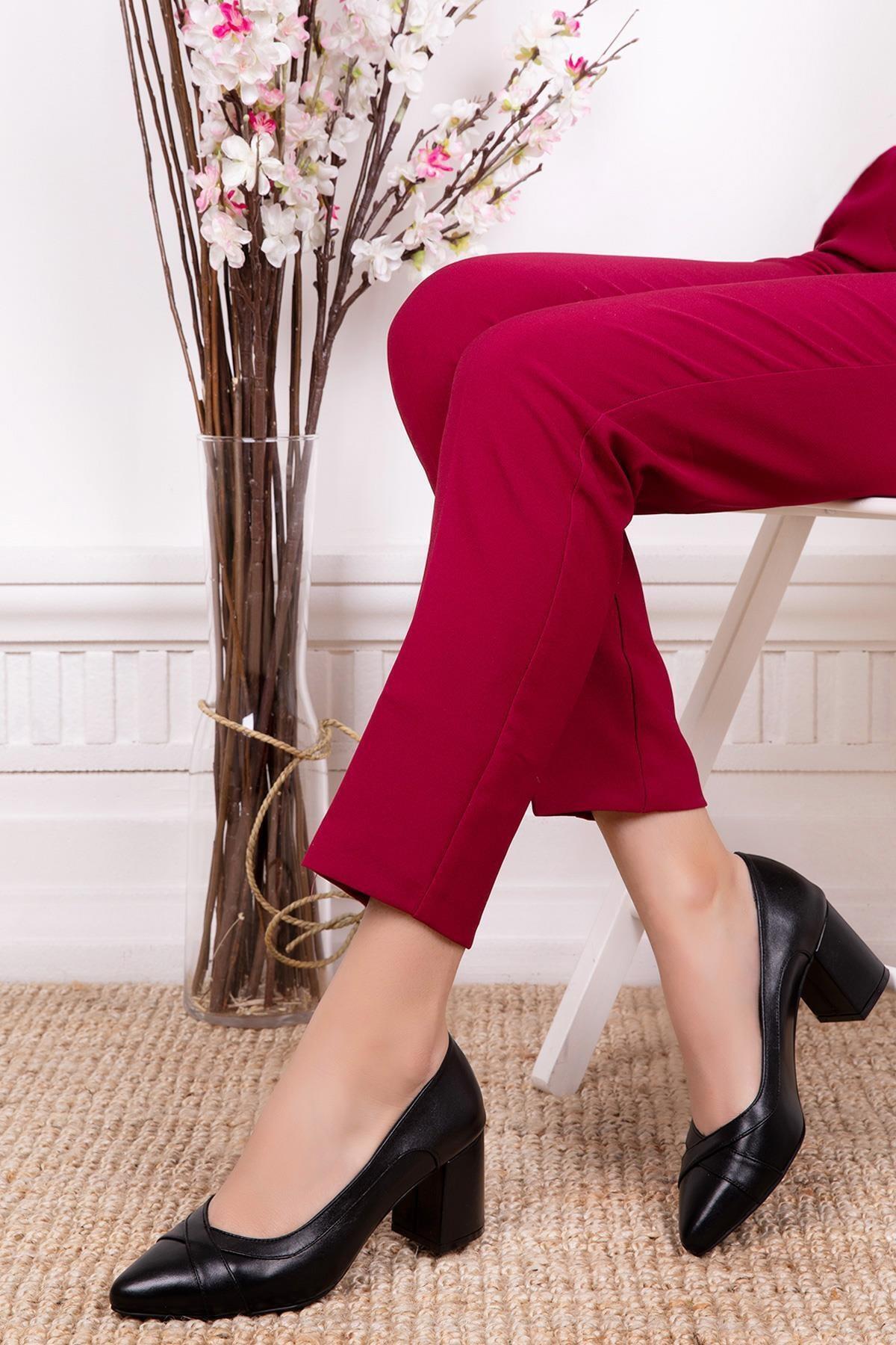 Hakiki Deri Siyah Kadın Topuklu Deri Ayakkabı Shn-0722