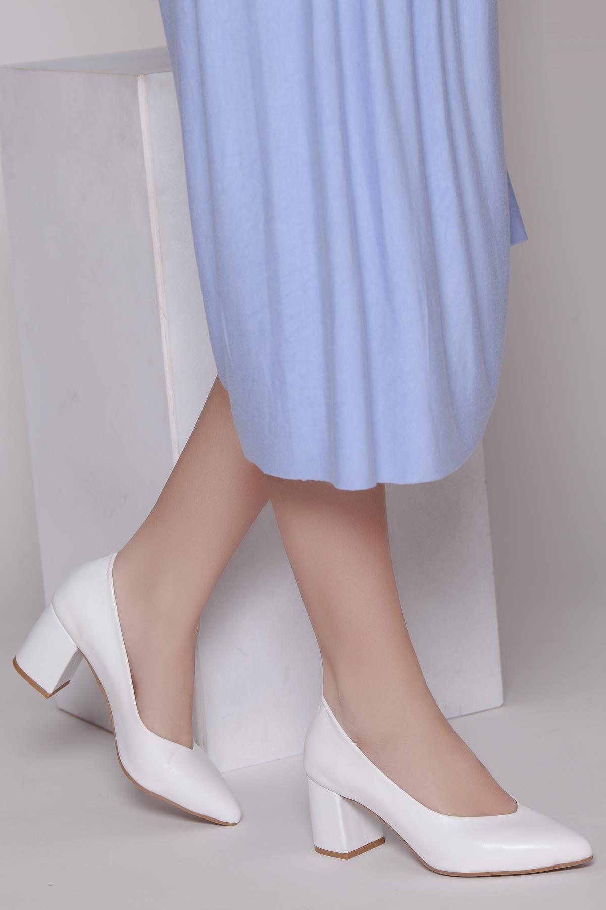 Hakiki Deri Beyaz Kadın Topuklu Deri Ayakkabı Shn-1930