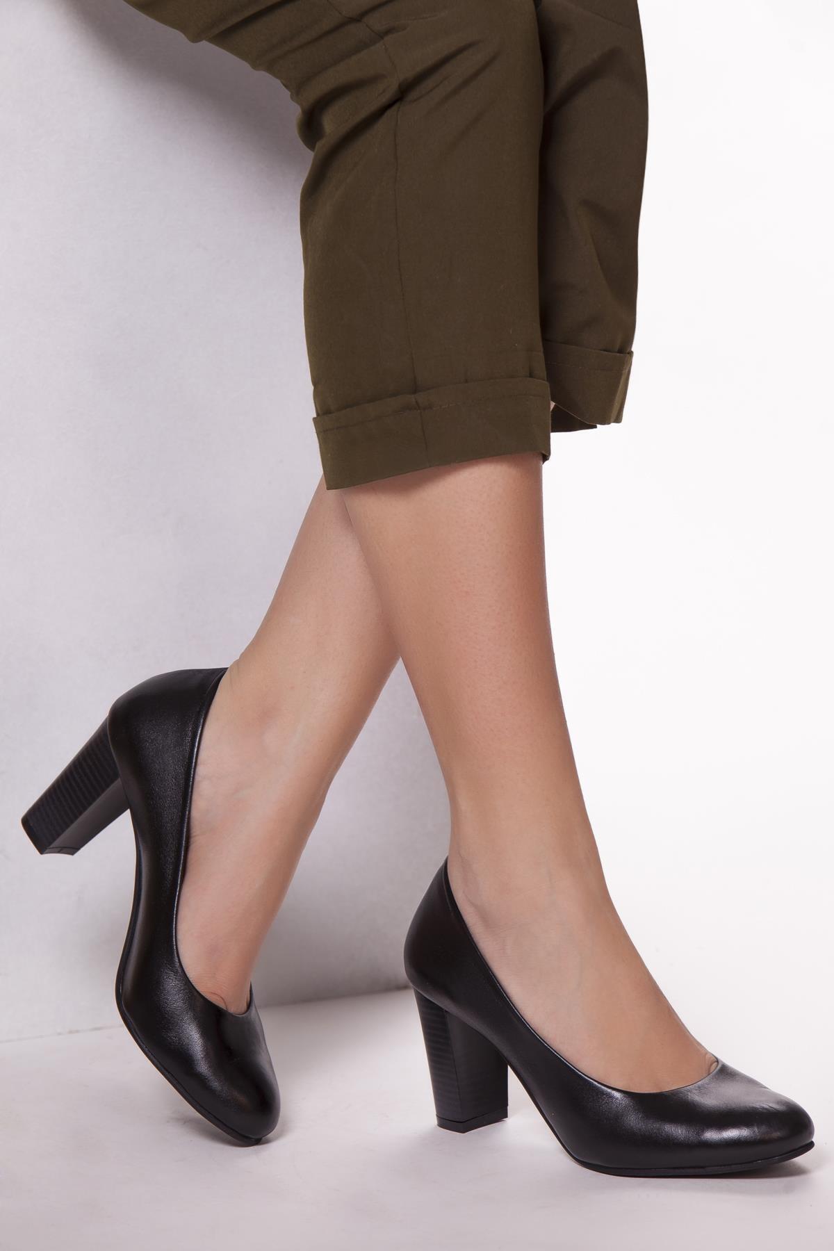 Hakiki Deri Siyah Kadın Topuklu Deri Ayakkabı Shn-0736