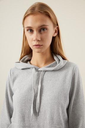 Tena Moda Kadın Gri Kapşonlu Kanguru Cepli Bacis Sweatshirt 2