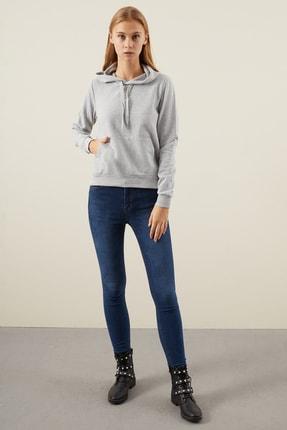 Tena Moda Kadın Gri Kapşonlu Kanguru Cepli Bacis Sweatshirt 3