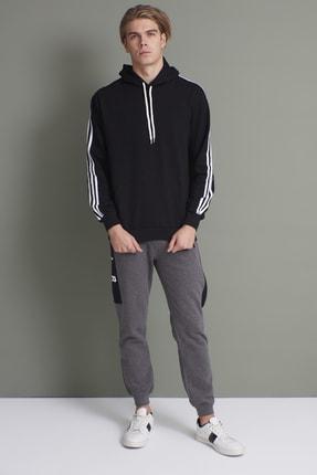 Tena Moda Erkek Siyah Kapşonlu Kanguru Cepli Kolları Üç Şeritli Sweatshirt 3