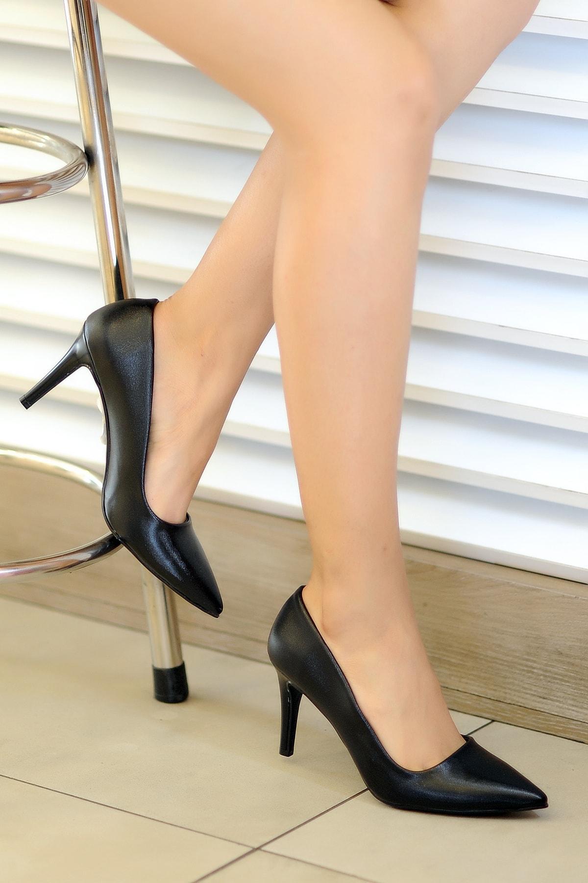 Kadın Siyah Tekin Topuklu  Ayakkabı