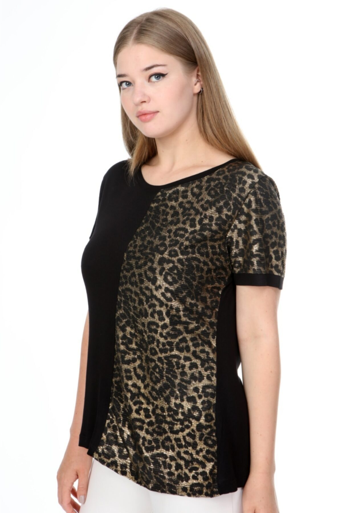 MJORA Siyah Leopar Detaylı Kısa Kol Viskon Büyük Beden Bluz