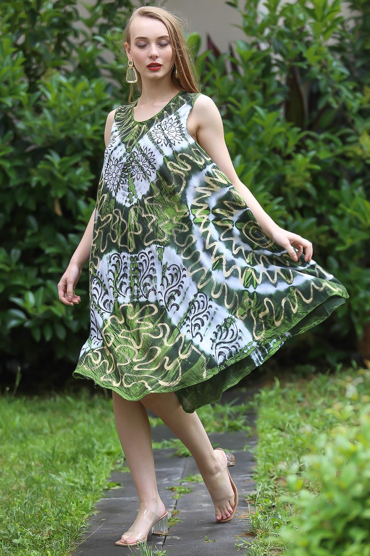 Chiccy Kadın Yeşil Bohem Batik Desenli Kolsuz Kloş Elbise M10160000EL96673 3