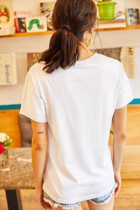 Olalook Kadın Beyaz Van Go Nakışlı Tişört TSH-19000380 4