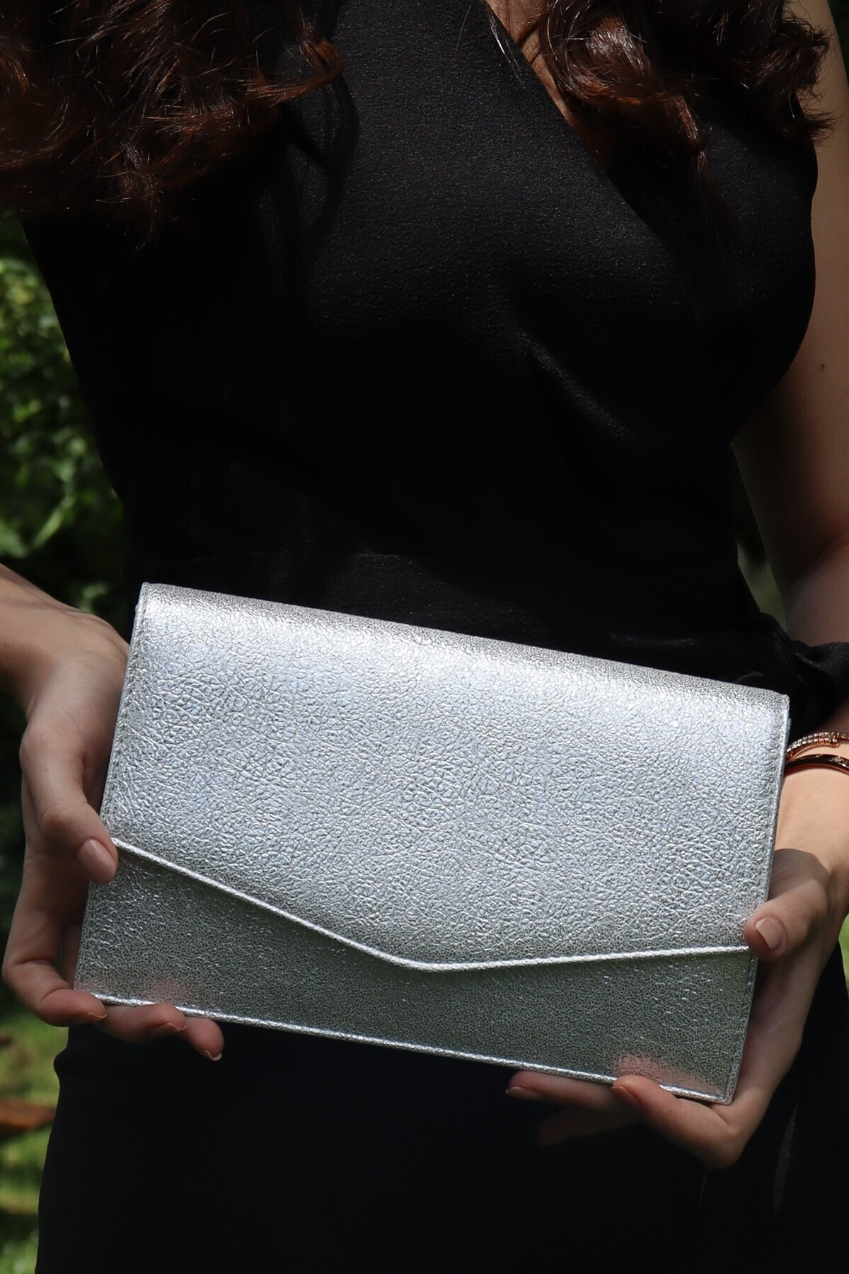 Kadın Gümüş İnce Zarf Kristal Abiye Çanta