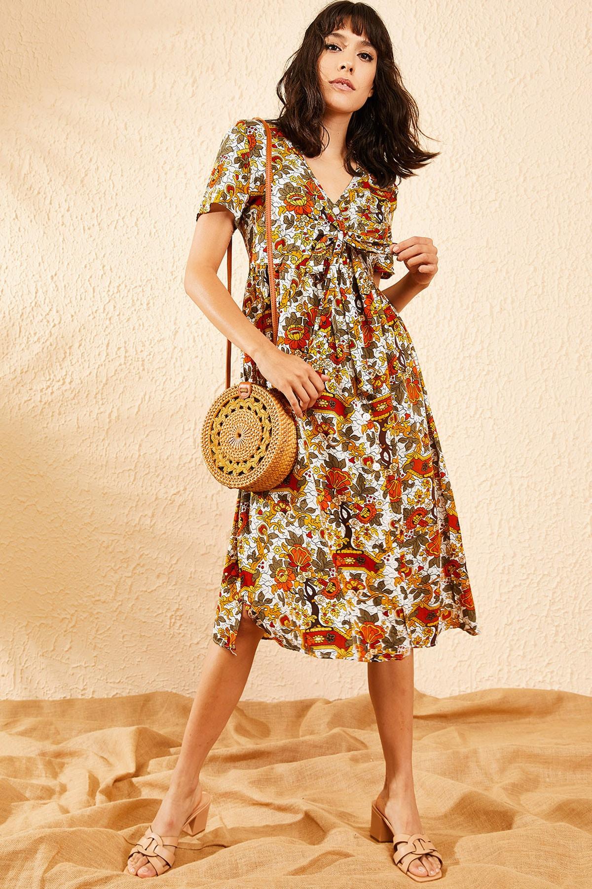Bianco Lucci Kadın Beyaz Multi Çiçek Desenli Düğme Detaylı Uzun Gömlek  Elbise 10081006 3