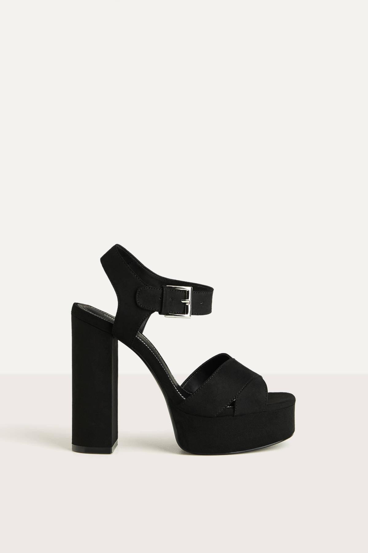 Bershka Kadın Siyah Platform Topuk Sandalet 11702660 0