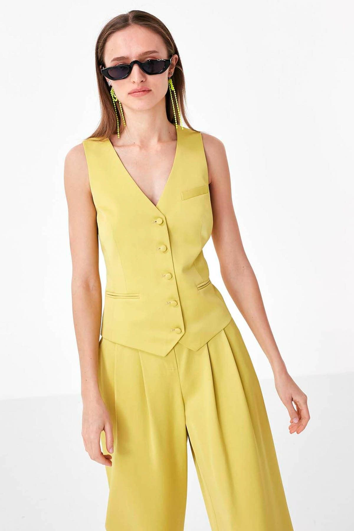 Kadın Sarı Düğme Kapama Yelek TS1200007014009