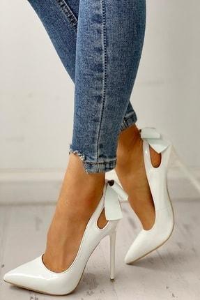 trendyes Beyaz Rugan Fiyonklu Topuklu Stiletto 2