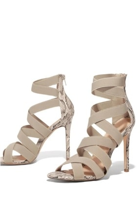 trendyes Kadın Bej Rengi Yılan Derili Lastikli Topuklu Ayakkabı 2