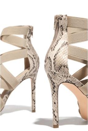 trendyes Kadın Bej Rengi Yılan Derili Lastikli Topuklu Ayakkabı 3