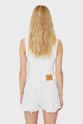 Stradivarius Kadın Beyaz Distressed Jean Şort 01362615 1