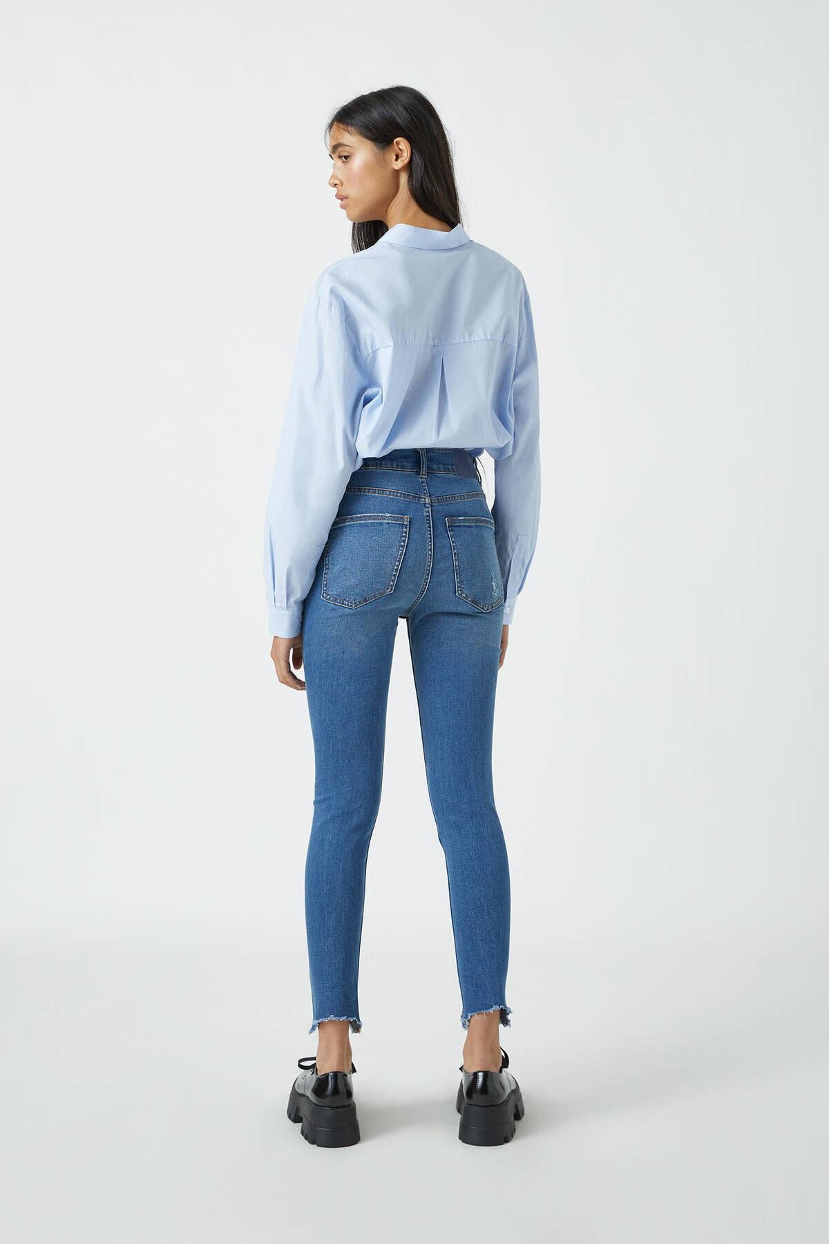 Pull & Bear Kadın Orta Mavi Yüksek Bel Skinny Fit Kapri Jean 09689301 3