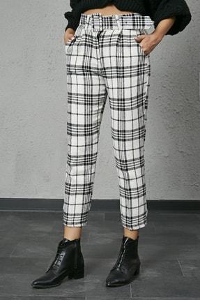 Sateen Kadın Ekru Siyah Ekose Kemerli Kaşe Pantolon 2