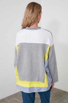 TRENDYOLMİLLA Gri Renk Bloklu Salaş Örme Sweatshirt TWOSS20SW0087 2