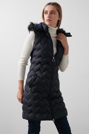 Lela Yakası Suni Kürklü Çıkarılabilir Kapüşonlu Slim Fit Uzun Şişme Yelek Kadın Yelek 5761080 3