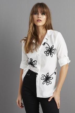 Cool & Sexy Kadın Beyaz Nakışlı Gömlek BP1047 0