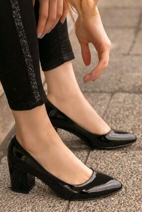 karazona Kadın Rugan Topuklu Ayakkabı 3