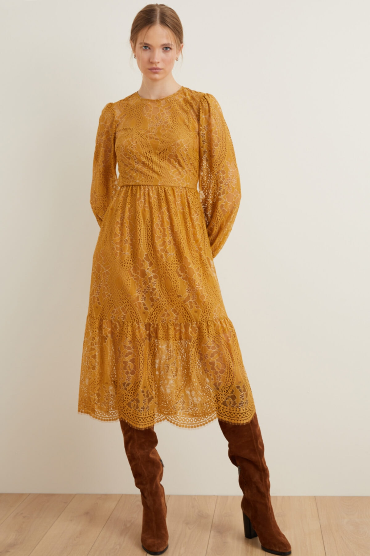 Kadın Safran Büzgülü Dantel Elbise