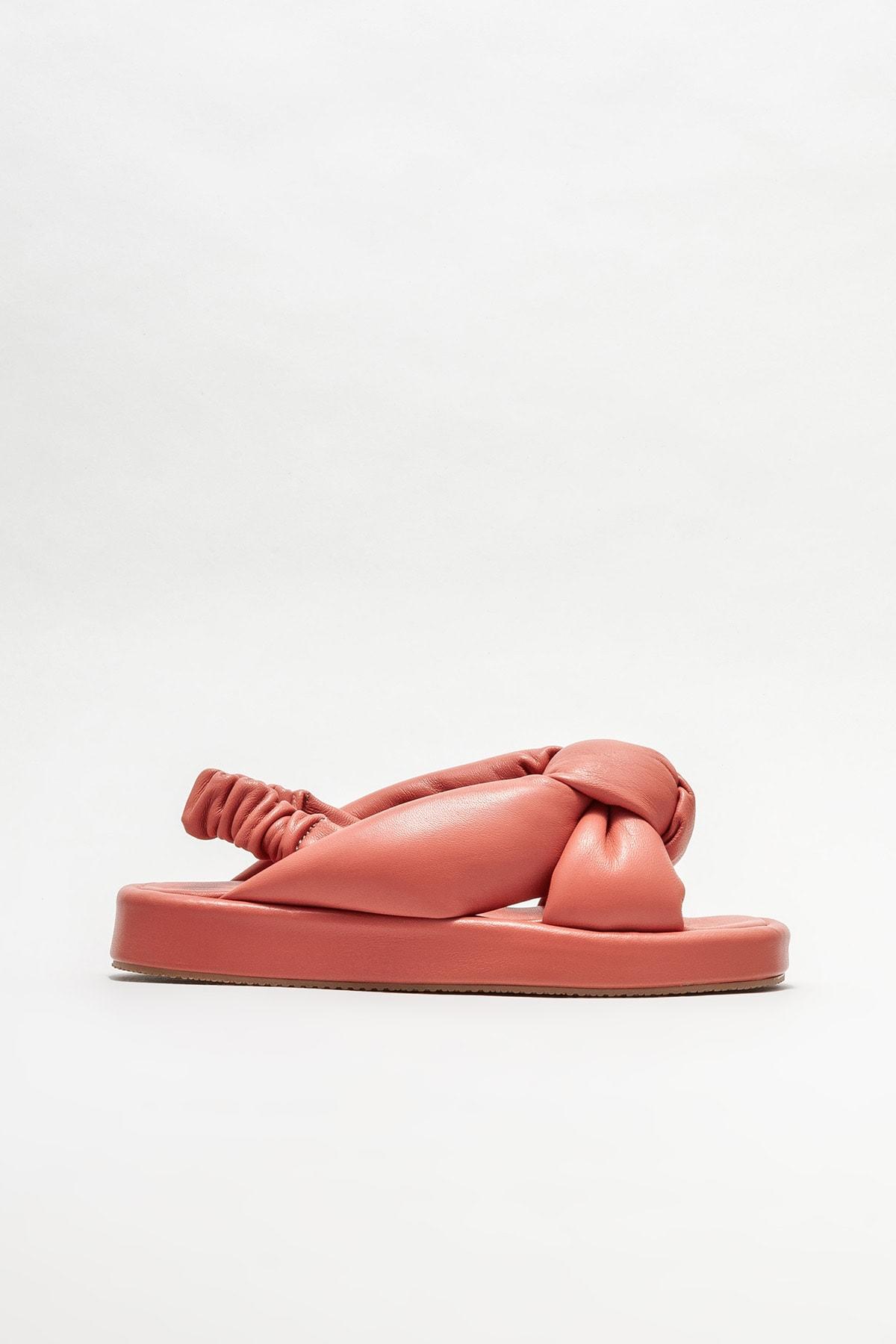 Deri Dolgu Topuklu Sandalet