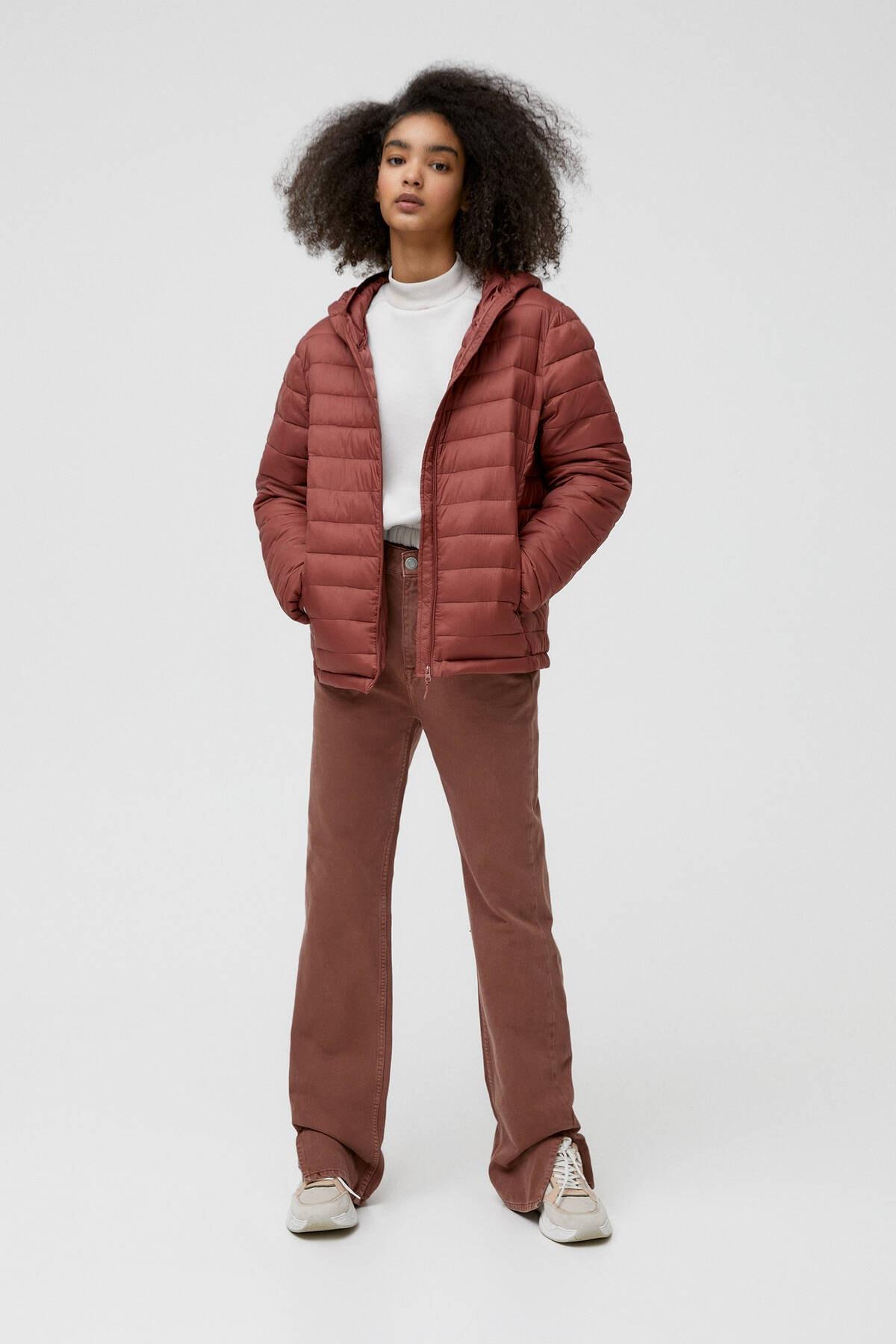 Pull & Bear Kadın Kil Rengi Basic Şişme Mont 09714333 1
