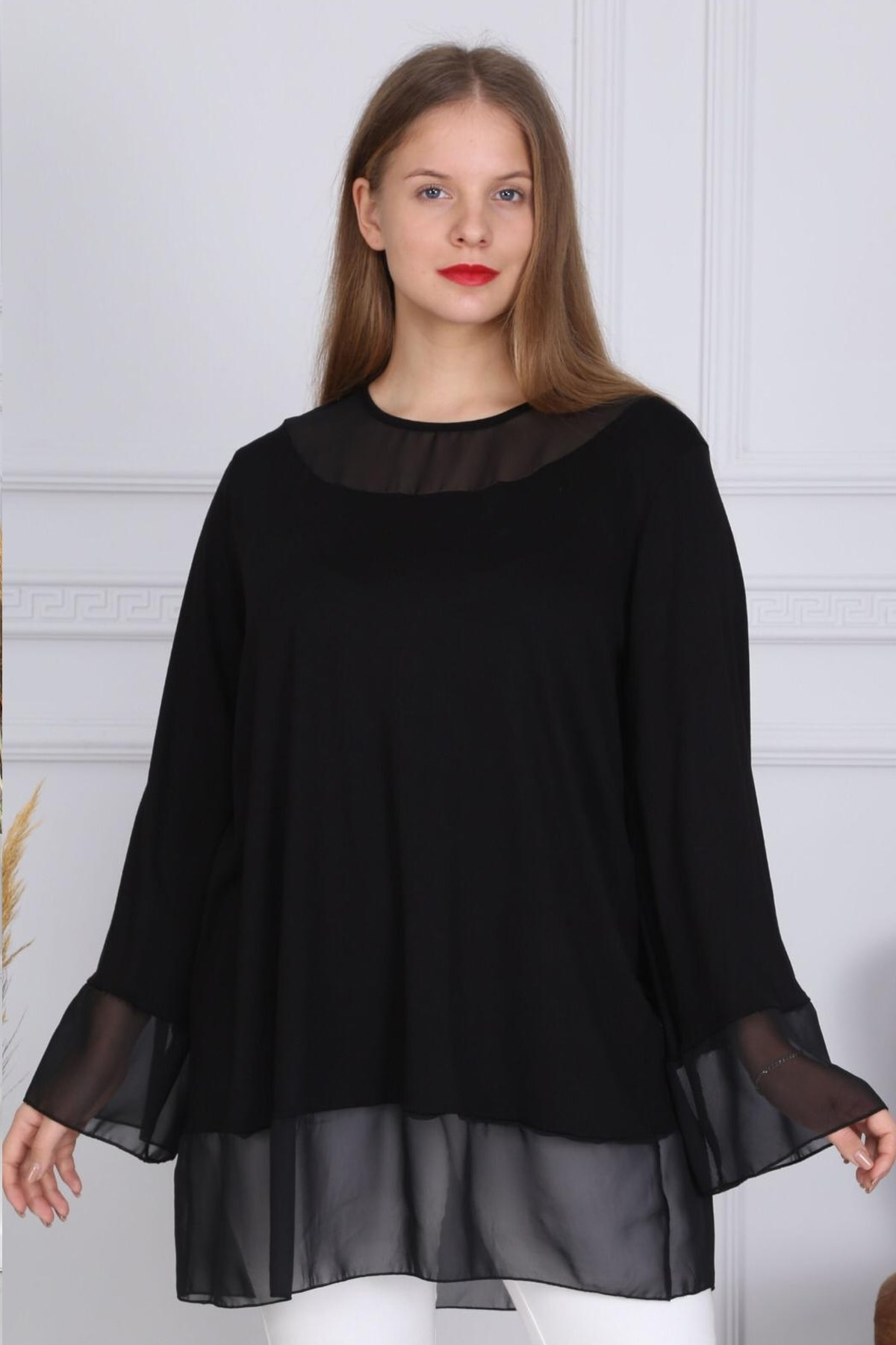 Kol Ve Yaka Şifon Detaylı Siyah Viskon Tunik Bluz