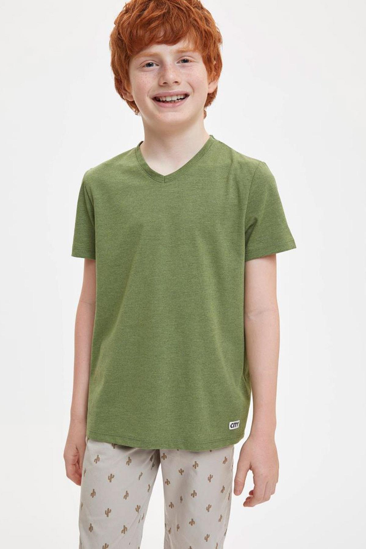 Erkek Çocuk Regular Fit V Yaka Cepsiz Tekli Kısa Kollu Kısa Kollu Tişört