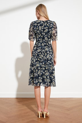 TRENDYOLMİLLA Lacivert Çiçek Desenli Elbise TWOSS20EL0908 3