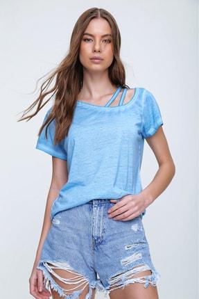 Trend Alaçatı Stili Kadın Mavi Askı Detaylı Yıkamalı T-Shirt MDA-1124 1
