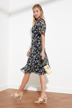 TRENDYOLMİLLA Lacivert Çiçek Desenli Elbise TWOSS20EL0908 1