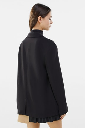 Bershka Kadın Siyah Dökümlü Düğmeli Blazer 1