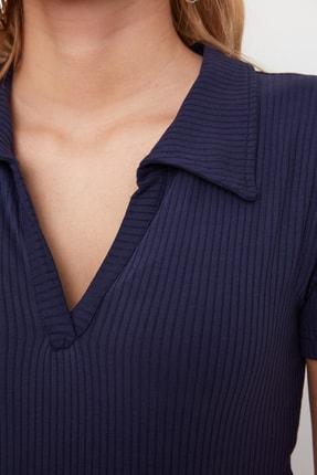 TRENDYOLMİLLA Lacivert Polo Yaka Crop Örme Bluz TWOSS21BZ0038 2