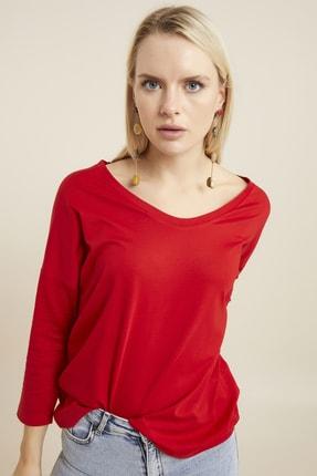 Hanna's Kadın Kırmızı Geniş Yakalı Basic T-shirt 1