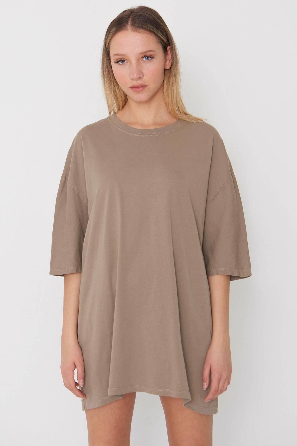 Kadın Koyu Bej Oversize T-Shirt P9536 - B13 Adx-0000023955
