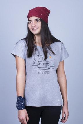 Mount Bug Gri Kadın Karavan Baskılı Kısa Kollu Regular Fit T-shirt 1