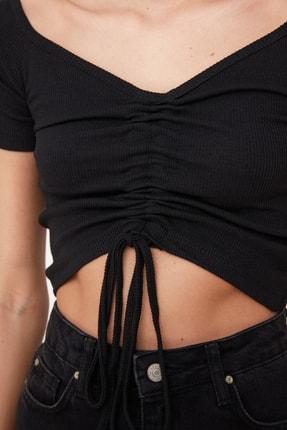 TRENDYOLMİLLA Siyah Büzgülü Örme Bluz TWOSS21BZ0409 2