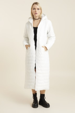 تصویر از Kadın Beyaz Palto